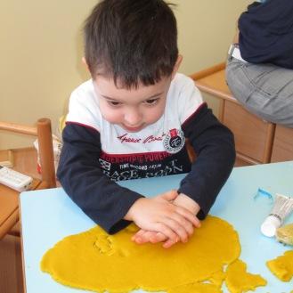 prepariamo i biscotti per Pasqua! (11)
